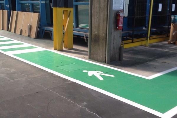 Finiture pavimentazioni - Vernice per piastrelle pavimento ...